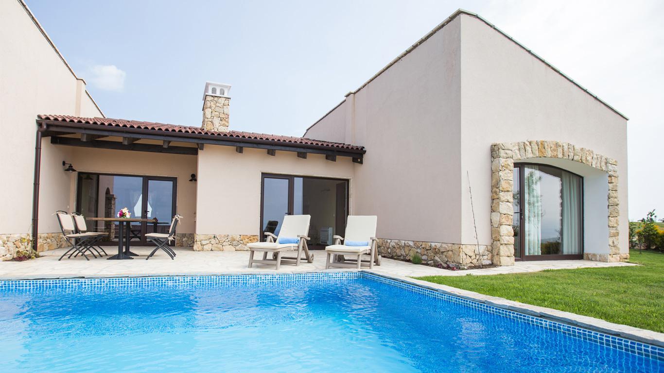 Moderne Villa zum Verkauf in Black Sea Rama Golfkomplex | Immobilien ...