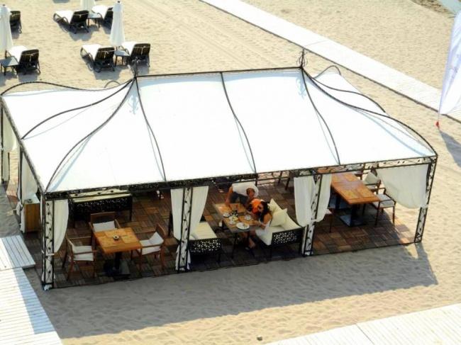 Луксозни апартаменти на брега на морето до Лозенец