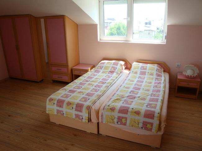 Grosses Haus mit Meerblick in Chernomoretz