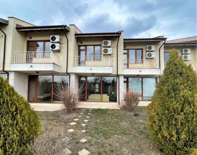 Zu verkaufen Haus im Golfkomplex Baltschik- günstig