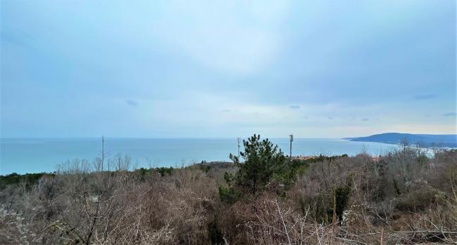 Парцел за строителство на вила или хотел с морска панорама до Албена
